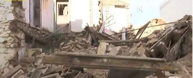Κατέρρευσε σπίτι στην Πνύκα   tanea.gr