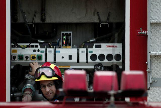 Καλαμαριά: Πυρκαγιά σε διαμέρισμα - Απεγκλωβίστηκε ένας ηλικιωμένος | tanea.gr