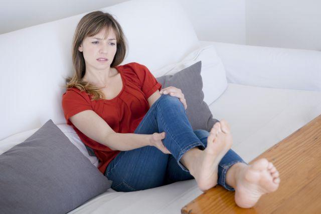 Πως θα ανακουφίσεις τα καταπονημένα πόδια σου | tanea.gr