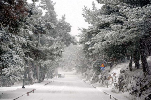 Σαρώνει η «Χιόνη»: Δριμύ ψύχος, χιόνια και θερμοκρασίες υπό το μηδέν | tanea.gr