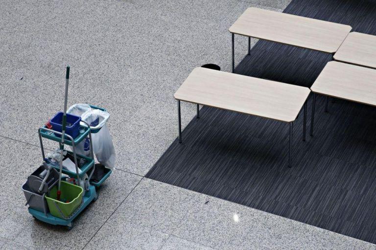 Στον Αρειο Πάγο η υπόθεση της καθαρίστριας με το πλαστό απολυτήριο | tanea.gr