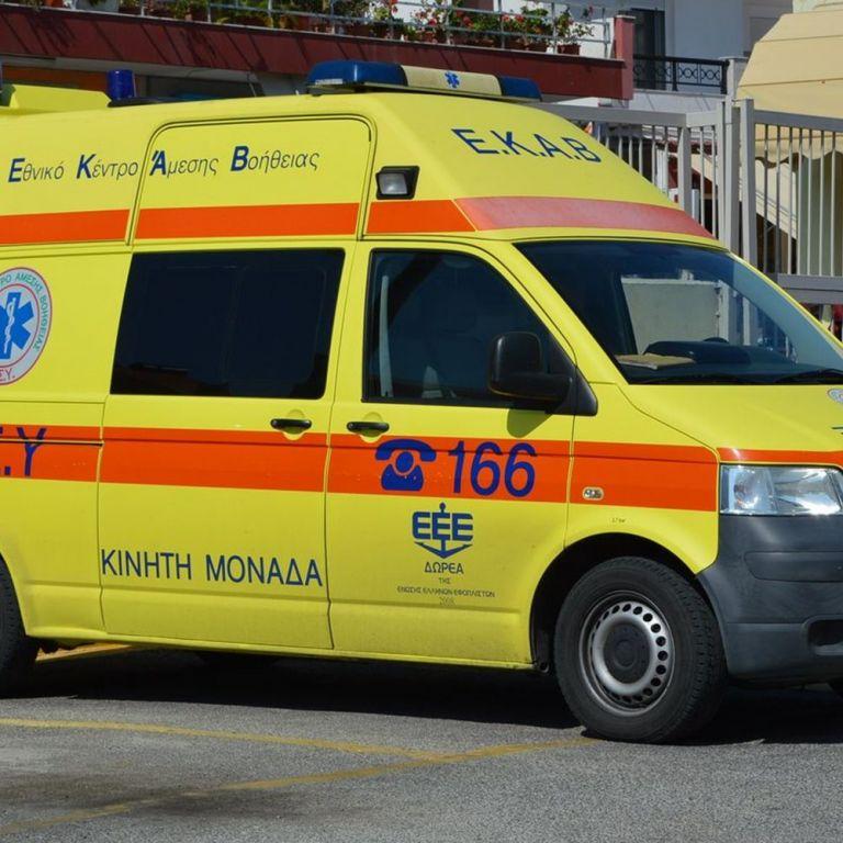 Σοκ: 17χρονος κατέρρευσε μέσα στο γήπεδο   tanea.gr