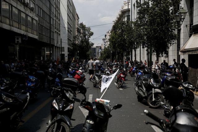 Θεσσαλονίκη: Μοτοπορεία διανομέων για τις επιθέσεις εις βάρος τους | tanea.gr