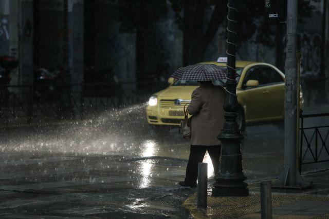 Σαρώνει η κακοκαιρία: Με ισχυρές καταιγίδες και σκόνη η Τετάρτη | tanea.gr
