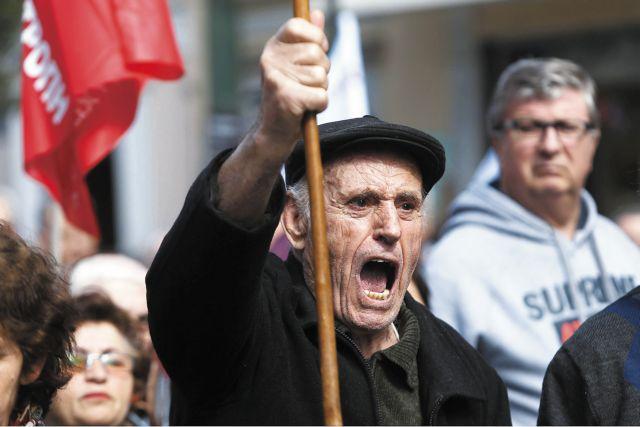 Ισπανία: Αντιπολίτευση και ακροδεξιά μαζί εναντίον Σάντσεθ | tanea.gr