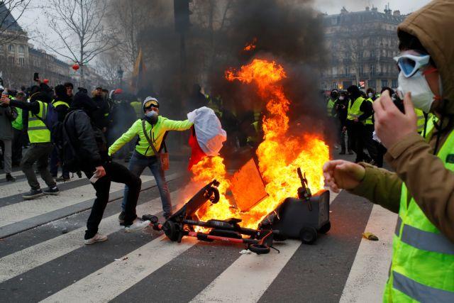Οι Γάλλοι κουράστηκαν από τις κινητοποιήσεις των «κίτρινων γιλέκων» | tanea.gr