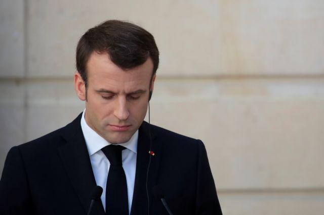 Γαλλία: Γιατί καταργούνται οι λέξεις «πατέρας» και «μητέρα» | tanea.gr