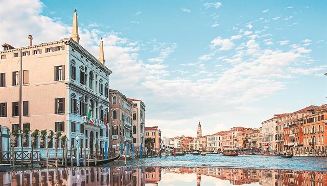 Ο ελληνικός πολιτικός καρνάβαλος... επισκιάζει τη Βενετία | tanea.gr