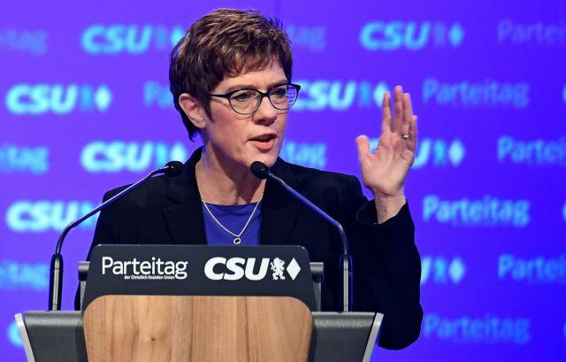 Γερμανία: Η επικεφαλής της CDU μπέρδεψε το κόμμα της με τους Σοσιαλδημοκράτες | tanea.gr