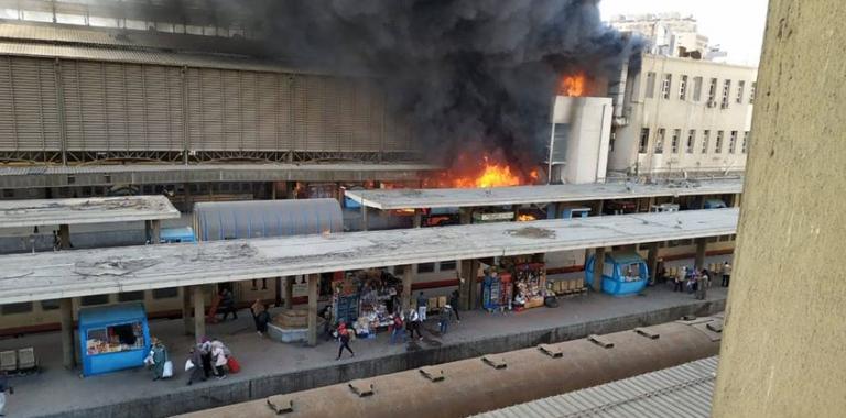 Αίγυπτος: Νεκροί και τραυματίες από πυρκαγιά σε σιδηροδρομικό σταθμό | tanea.gr