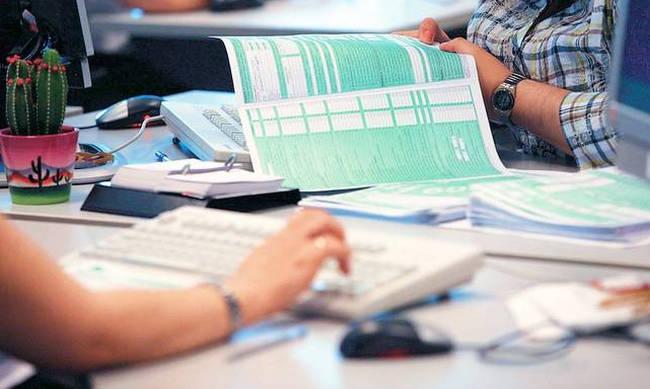 Πότε ανοίγει το Taxisnet για τις φορολογικές δηλώσεις - Τι θα ισχύσει για τα ζευγάρια | tanea.gr