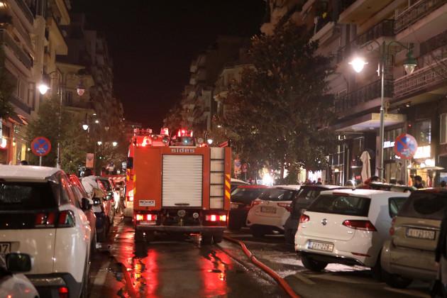 Αίσιο τέλος για την ηλικιωμένη στο φλεγόμενο διαμέρισμα | tanea.gr