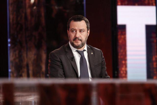 Ιταλία: Δικαστικοί εξετάζουν την παραπομπή του Σαλβίνι σε δίκη   tanea.gr