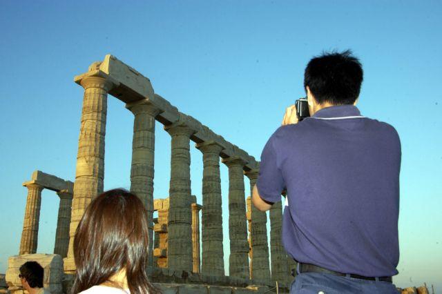 Στη θάλασσα κομμάτια του Ναού του Ποσειδώνα | tanea.gr