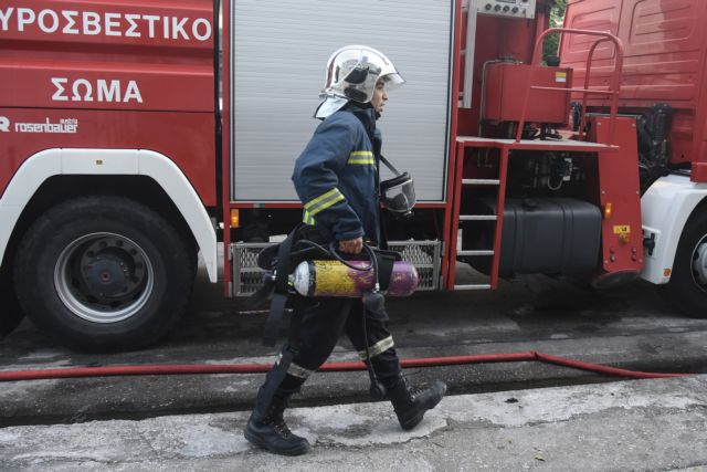 Ισχυρή έκρηξη με έναν τραυματία στη λεωφόρο Βουλιαγμένης | tanea.gr