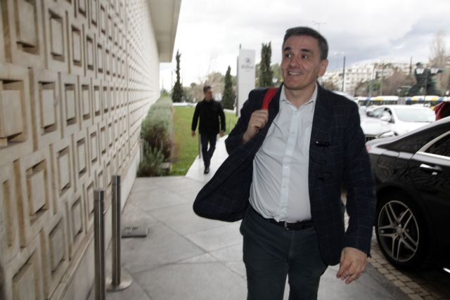 Ο Τσακαλώτος... ευχαρίστησε τη ΝΔ για την επιτυχία του 10ετούς | tanea.gr