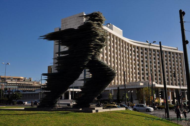 Θέλουν να διώξουν τον «Δρομέα» και να φέρουν στη θέση του σκοπιανό άγαλμα | tanea.gr