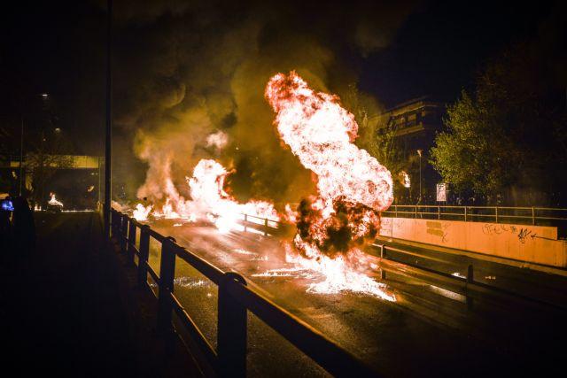 Πλημμέλημα από κακούργημα οι βόμβες μολότοφ | tanea.gr