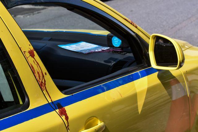 Τραγωδία στο Ελληνικό: Ταξιτζής πέταξε έξω την αιμόφυρτη 50χρονη | tanea.gr