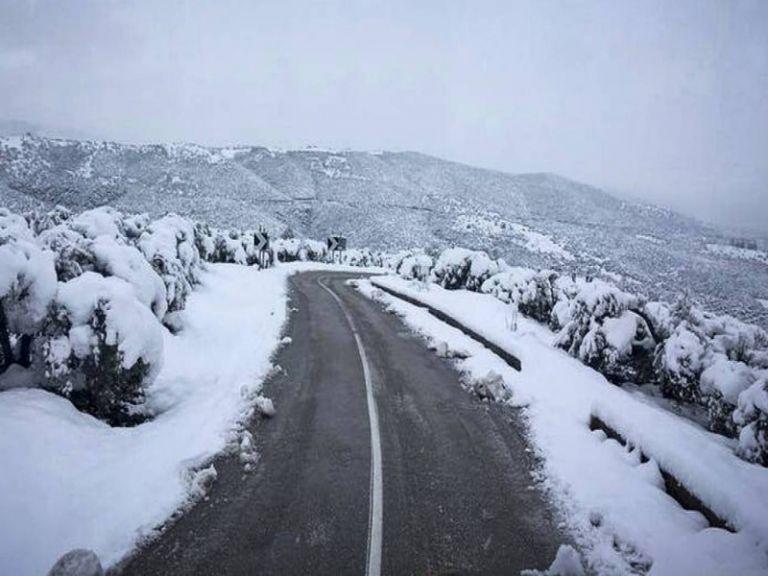 Ο καιρός τρελάθηκε: Τι θα γίνει σήμερα, πότε τελειώνει το χειμωνιάτικο σκηνικό | tanea.gr