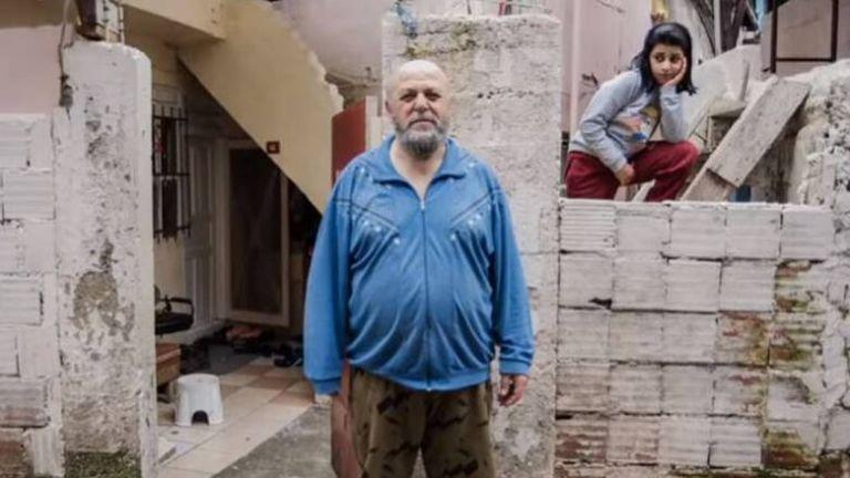 Μυστήριο στην Κωνσταντινούπολη: Αγνωστος μοιράζει χρήματα | tanea.gr