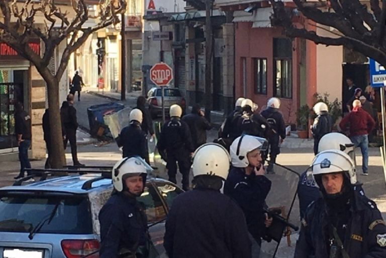 Τα έσπασαν οι οπαδοί του ΠΑΟΚ στο Αγρίνιο | tanea.gr