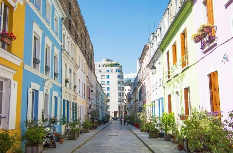 Μια μικρή γειτονιά στο Παρίσι «μπλοκάρει» το Instagram | tanea.gr