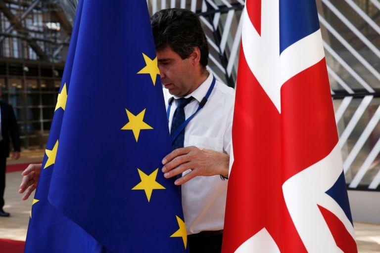 Brexit: Παραίτηση στελέχους των Συντηρητικών από την τοπική οργάνωση | tanea.gr