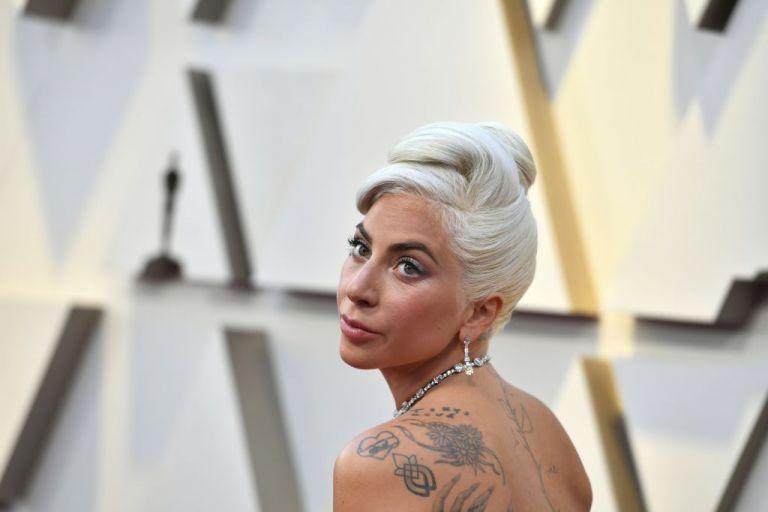 Η Lady Gaga απαντά μέσω Twitter στα περί «εγκυμοσύνης»   tanea.gr