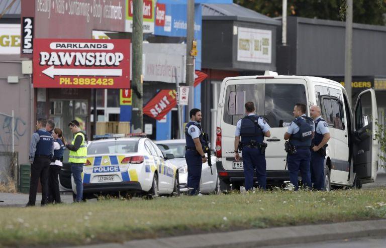 Νέα Ζηλανδία: Η συγκλονιστική σύλληψη ενός εκ των μακελάρηδων σε βίντεο | tanea.gr
