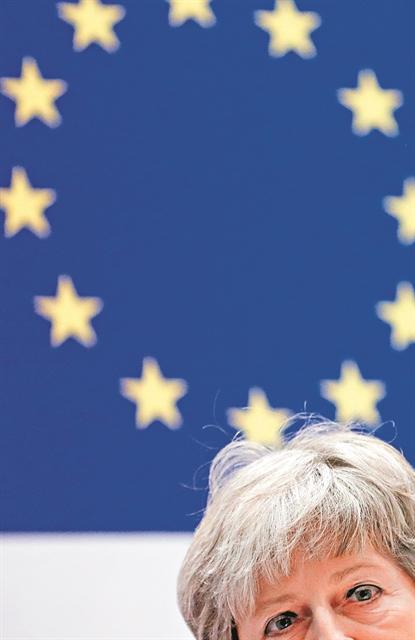Ο εκβιασμός της πρωθυπουργού «ζόμπι» | tanea.gr