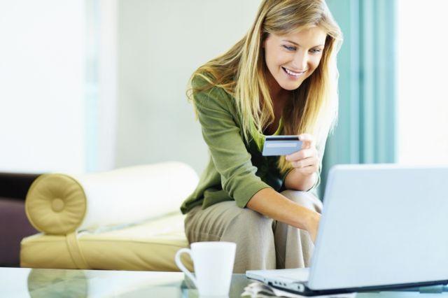 Ηλεκτρονικές εκπτώσεις: Ξεκίνησαν οι προσφορές στα e-shops | tanea.gr
