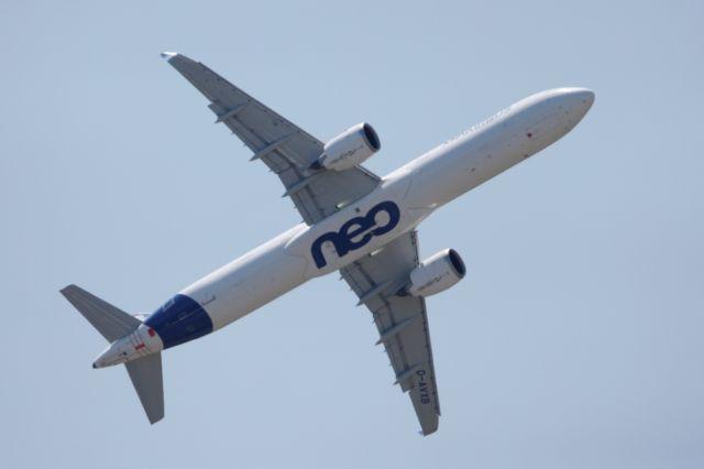 Μπακού: Εκτακτη προσγείωση αεροσκάφους - Υποψίες για βόμβα | tanea.gr