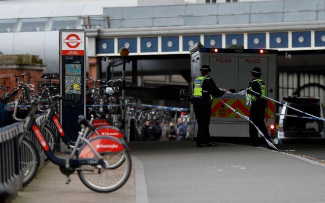 Βρετανία: Αυτοσχέδιοι εκρηκτικοί μηχανισμοί τα ύποπτα πακέτα | tanea.gr
