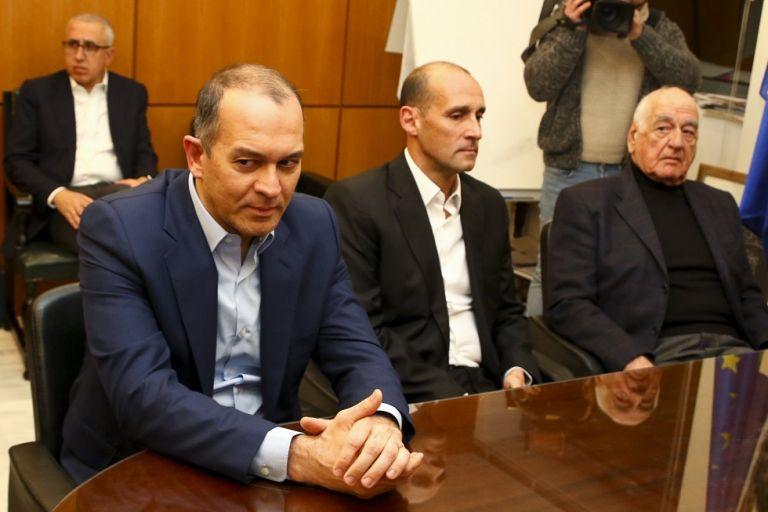 Αγγελόπουλοι: «Αν δεν χρειάζεται ο Βασιλακόπουλος τι κάνουμε εδώ;»   tanea.gr