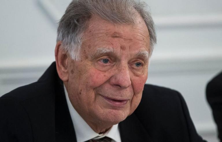 Πέθανε ο βραβευμένος με Νόμπελ ρώσος φυσικός Ζόρες Αλφέροφ | tanea.gr