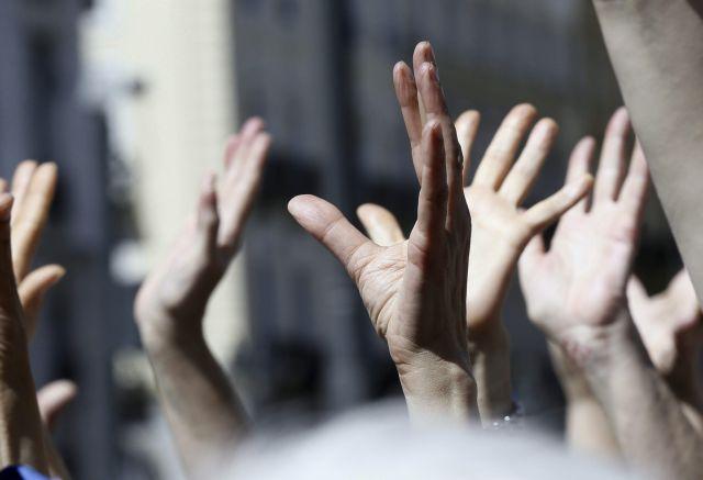 Τα προεκλογικά «δώρα» της κυβέρνησης: «Πάρτι» προσλήψεων στους δήμους | tanea.gr