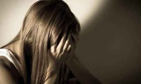 Πα-τέρας ασελγούσε στη 12χρονη κόρη του | tanea.gr