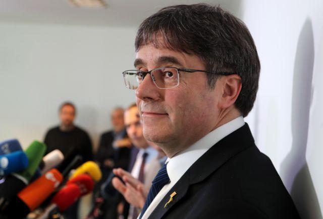 Ο Πουτζδεμόν επικεφαλής του αυτονομιστικού καταλανικού κόμματος | tanea.gr