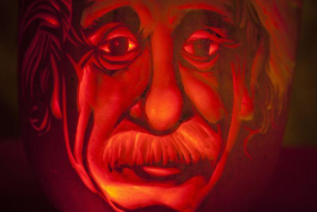 Αγνωστη συλλογή από 110 χειρόγραφα του Αϊνστάιν | tanea.gr
