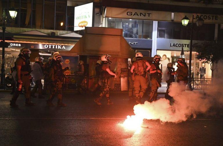 Μαχαιριές, ξύλο και τραυματίες σε μάχη οπαδών στη Θεσσαλονίκη | tanea.gr