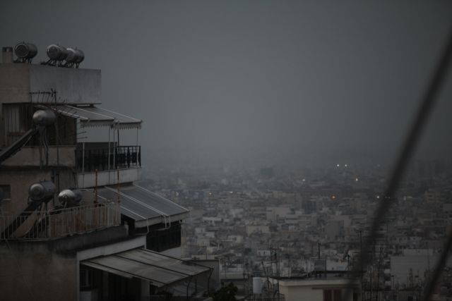 Πτώση θερμοκρασίας, βροχές και θυελλώδεις άνεμοι την Παρασκευή | tanea.gr