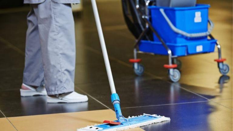 Ενοχη καθαρίστρια με πλαστό απολυτήριο που πέτυχε μετάταξη | tanea.gr
