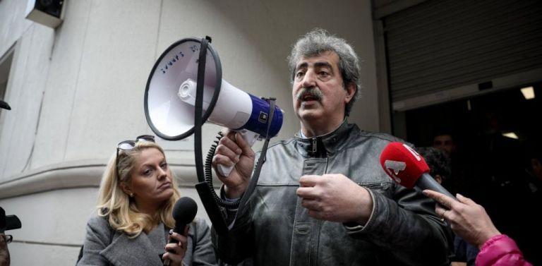 Πολάκης με ντουντούκα στον Πρόεδρο της ΠΟΕΔΗΝ: Το βρήκες το υπουργείο | tanea.gr