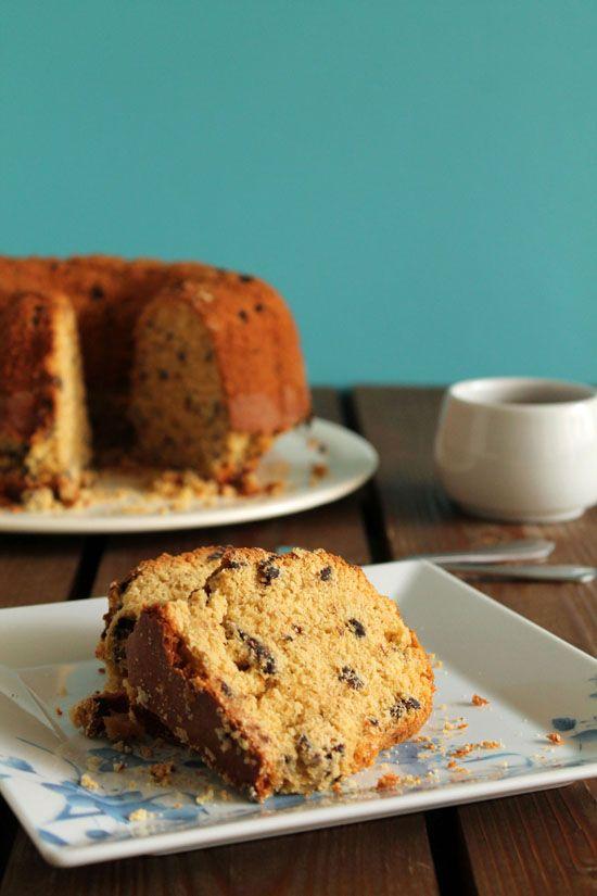 Λαχταριστό κέικ με ταχίνι, πορτοκάλι και σταφίδες | tanea.gr