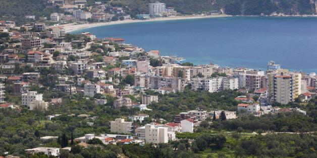 Χειμάρρα: Οι ομογενείς καταγγέλλουν το έγκλημα της υφαρπαγής των περιουσιών τους | tanea.gr