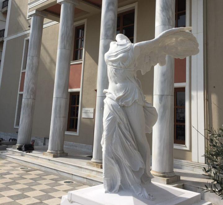 Στην Αλεξανδρούπολη πιστό αντίγραφο της Νίκης της Σαμοθράκης | tanea.gr