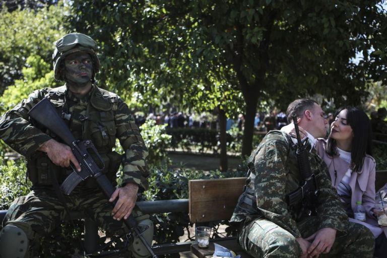 Παρελάσεις της οργής: Τα μαθήματα που (δεν) πήρε η κυβέρνηση και η σπορά του διχασμού | tanea.gr