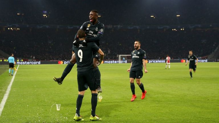 Champions League : Επικυρώνονται τα πρώτα εισιτήρια για τους «8» | tanea.gr