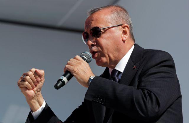 Ο Ερντογάν απειλεί τραπεζίτες για την βουτιά της τουρκικής λίρας | tanea.gr